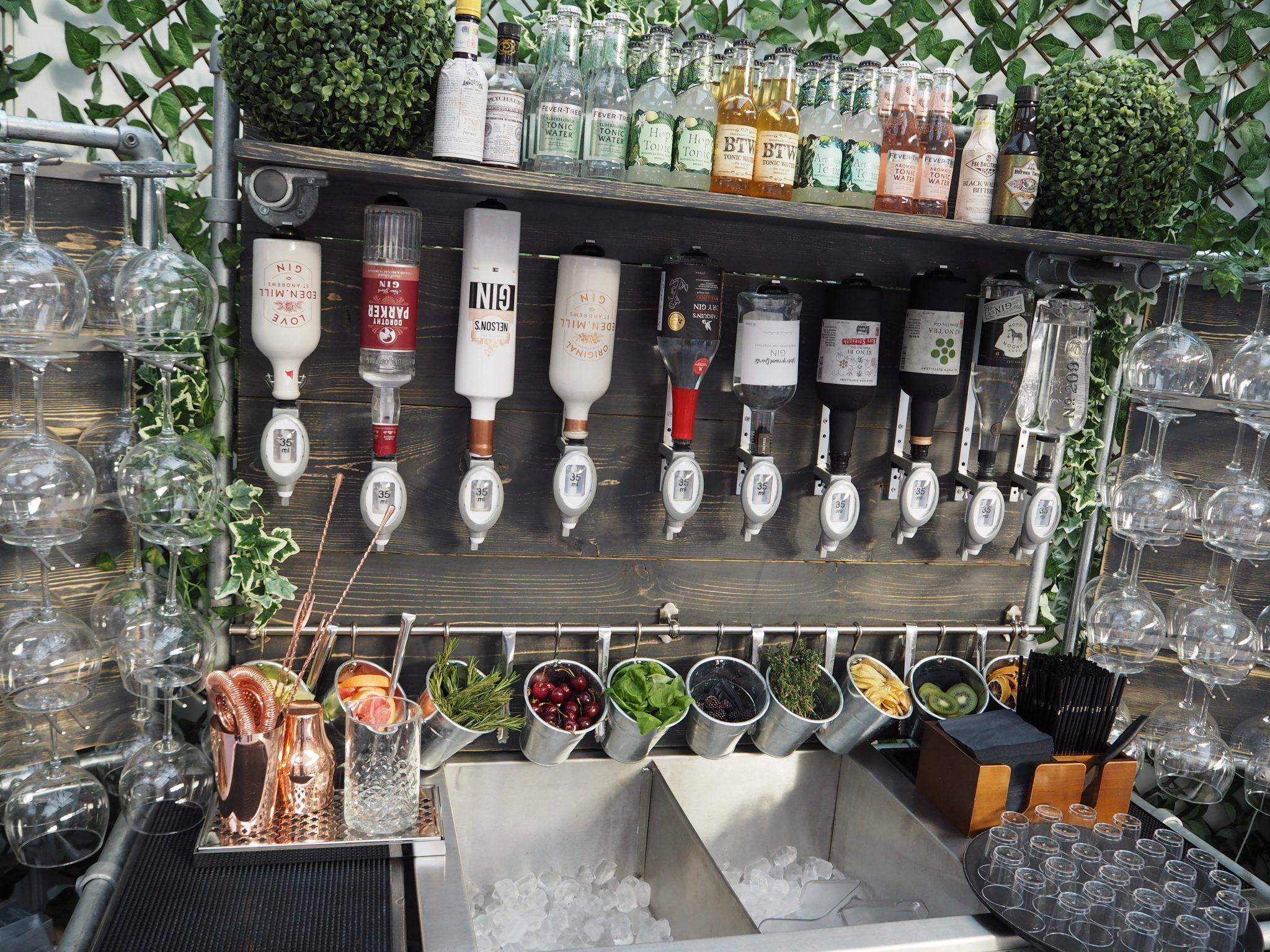 portable bar hire for weddings
