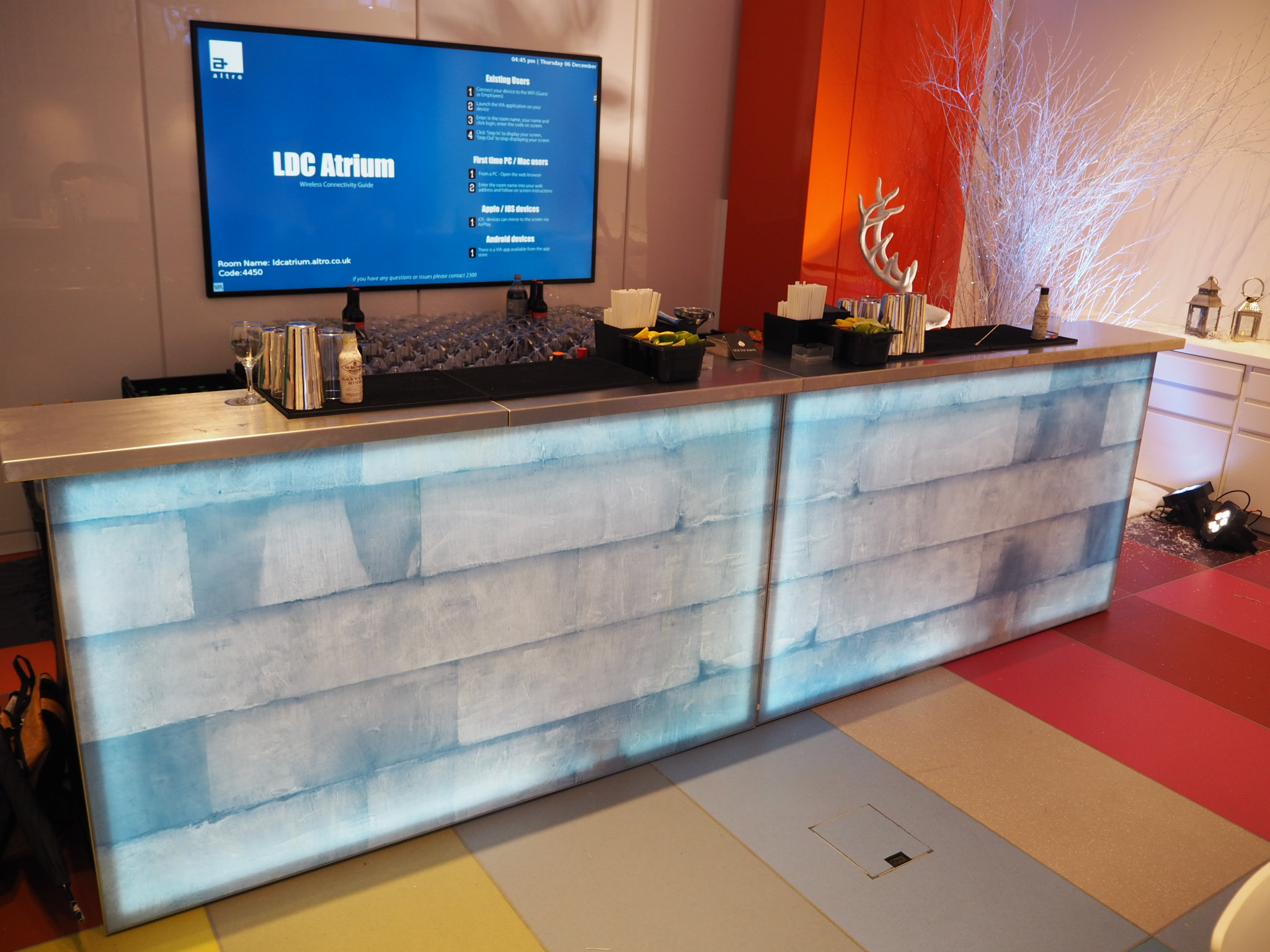 ice effect bar