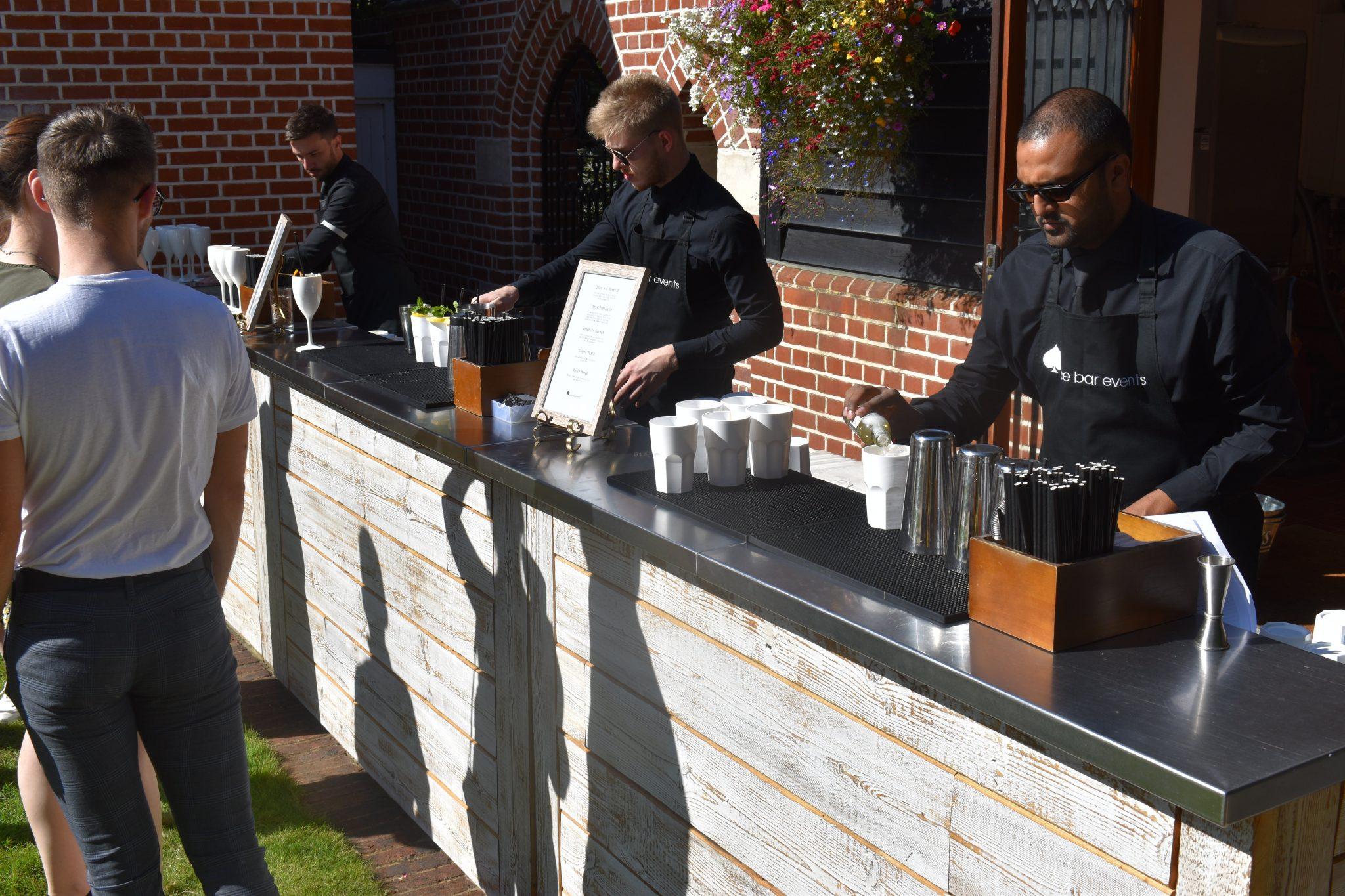 non-alcoholic cocktail reception